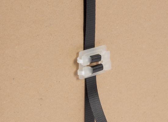 Kunststoffschnalle als Verschluss für Umreifungsband